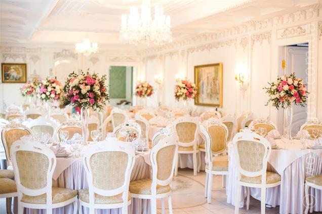 Забронировать стол в ресторане под свадьбу